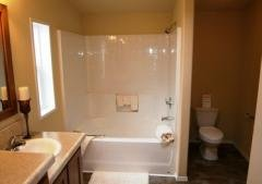Photo 4 of 5 of home located at 7921 SE King Rd Milwaukie, OR 97222