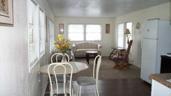 Senior Retirement Living 1972 Ritz Craft Mobile Home For