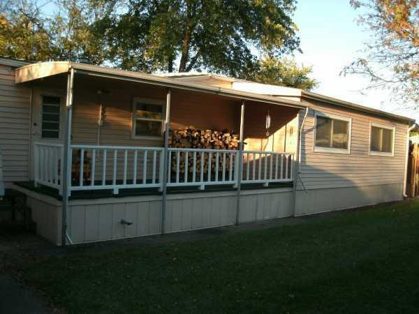 1986 Holly Park Mobile Home FOR SALE