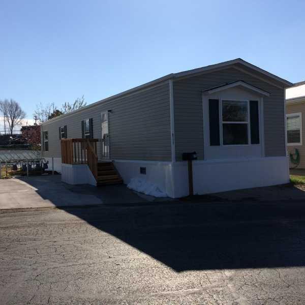 Senior Retirement Living 2016 Clayton Boulder Mobile Home For Sale In Auror