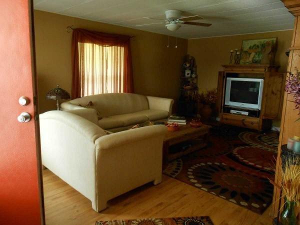 Senior Retirement Living 1980 Twin Offset Mobile Home