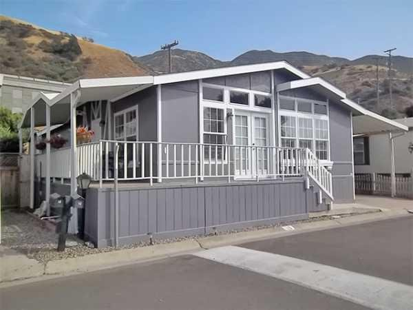 2001 GoldenWest SM602P Manufactured Home