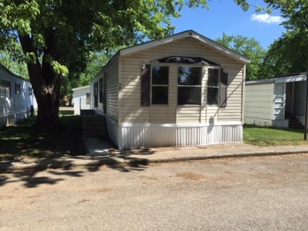 1992 Holly Park Mobile Home