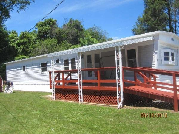 1985 Pine Grove Manufactured Home