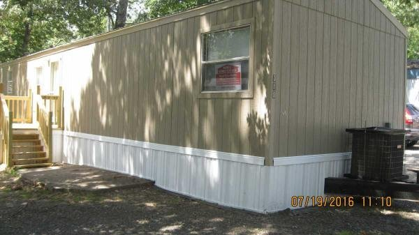 Senior Retirement Living 2009 Oak Creek Mobile Home For