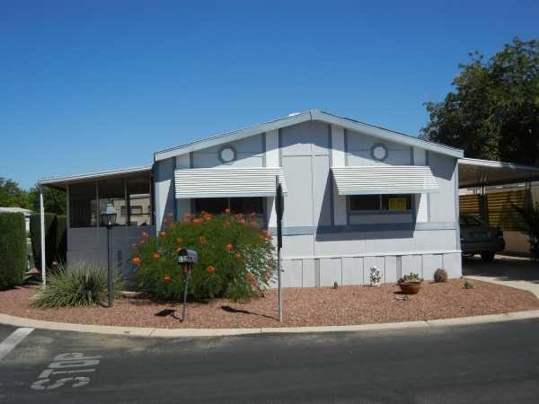 24 x 52 3 bedrooms 2 bathrooms color blue lot rent 430 per month
