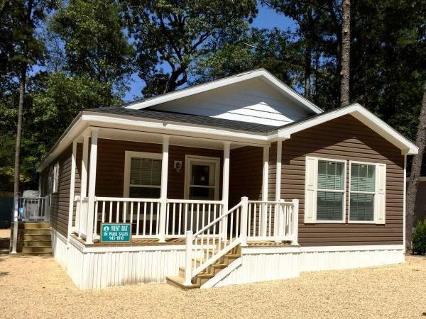 Senior Retirement Living 2017 Redman Manufactured Home