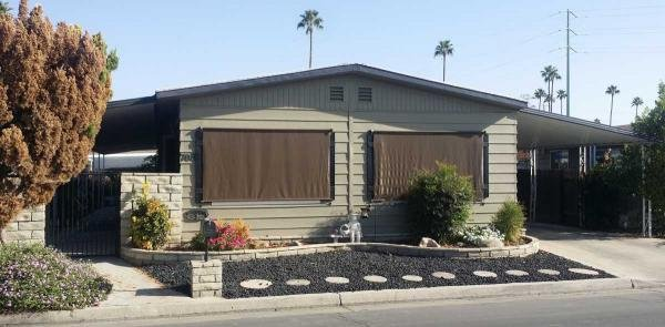 senior retirement living 1977 fashion manor mobile home for sale in bakersfield ca. Black Bedroom Furniture Sets. Home Design Ideas