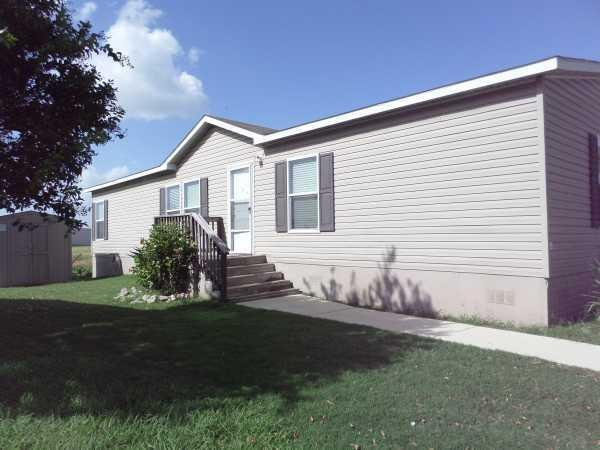 retirement living 2010 clayton mobile home for sale in new braunfels
