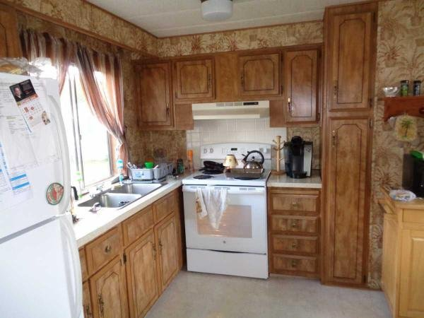 Senior retirement living 1979 mobile home for sale in for Kitchen cabinets 08094
