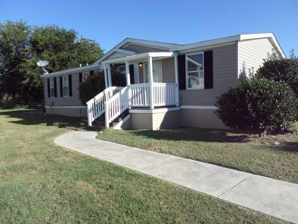 retirement living 2002 oakwood mobile home for sale in new braunfels
