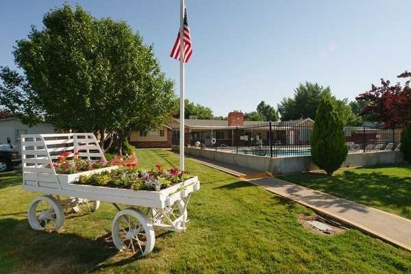 Senior Retirement Living 2017 Clayton Dillion Mobile Home For Sale In Auror