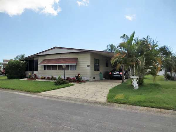 senior retirement living 1984 isla manufactured home for sale in melbourne fl