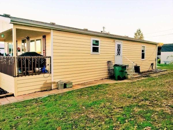 Senior retirement living 2004 oak creek galaxy mobile home for sale in denton tx for 3 bedroom houses for rent in oak creek wi