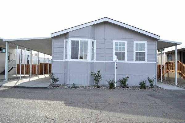 Senior retirement living 2000 silvercrest manufactured for 2000 square foot mobile home