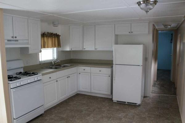 Senior retirement living 1971 mobile home for sale in for Kitchen cabinets zephyrhills fl