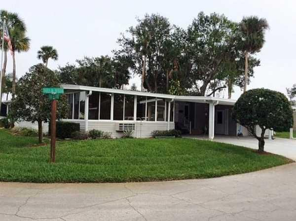 Senior retirement living 1990 palm manufactured home for for Edgewater retirement home