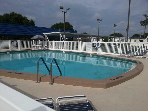 Senior retirement living 1973 manufactured home for sale for Show pool status pgpool