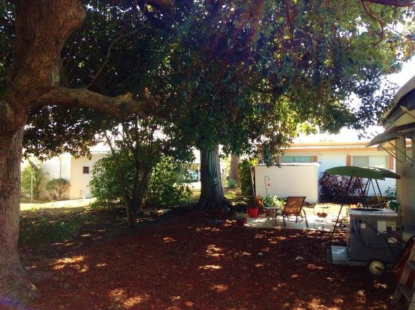 ... Retirement Living - Tropicana 41' HS Mobile Home For Sale in Largo, FL