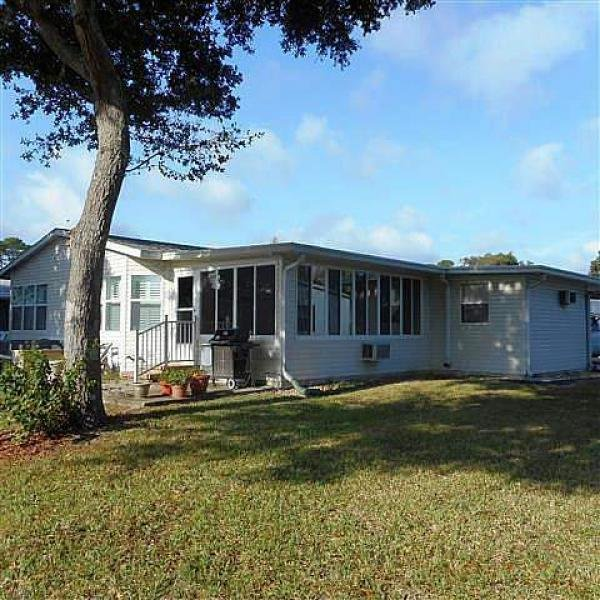 Senior Retirement Living 1998 Palm Manufactured Home For