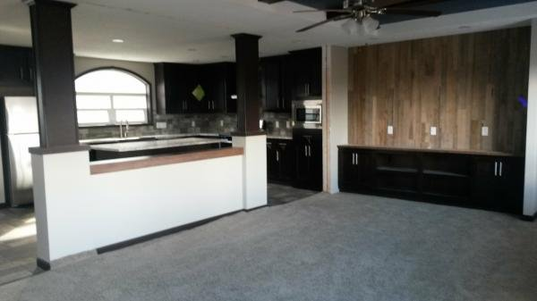 Mobile Home at 7711 East Hwy 55, Rockford, MN