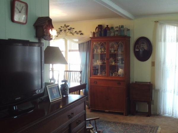 Senior Retirement Living 1982 Brigadier Mobile Home For