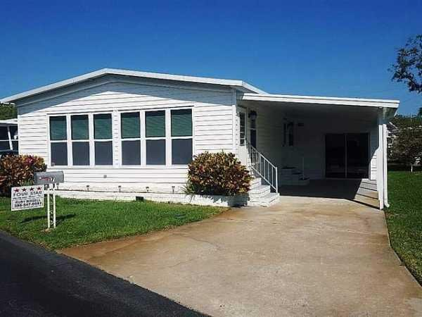Senior retirement living 1981 celt manufactured home for for Edgewater retirement home
