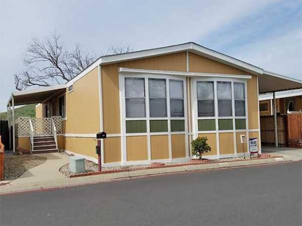 1990 GoldenWest LH5634A Manufactured Home