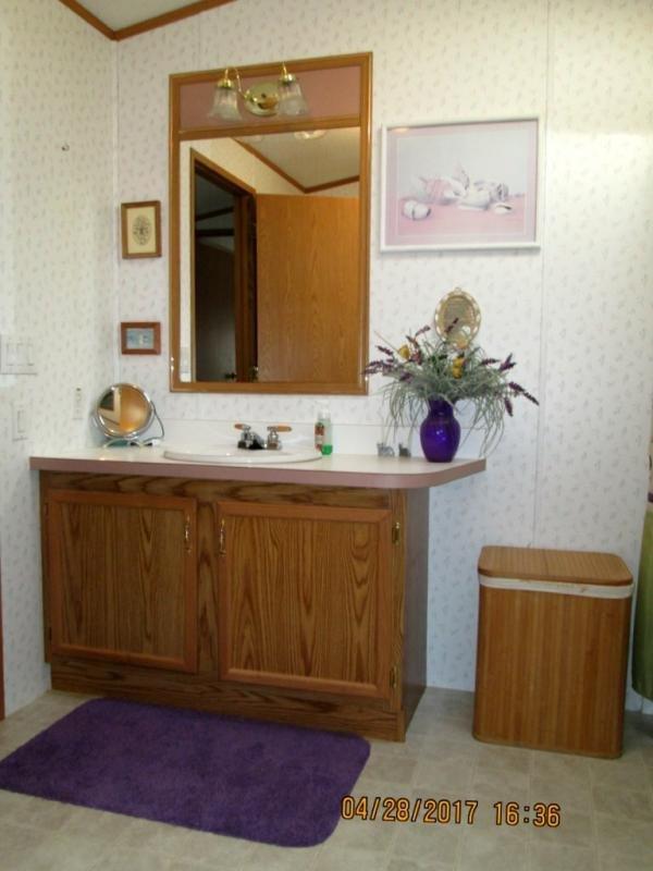 Senior Retirement Living - 1998 Marlette Front Kitchen ...