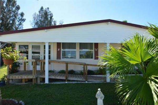 Senior retirement living 1981 manufactured home for sale for Handicap accessible mobile homes for sale