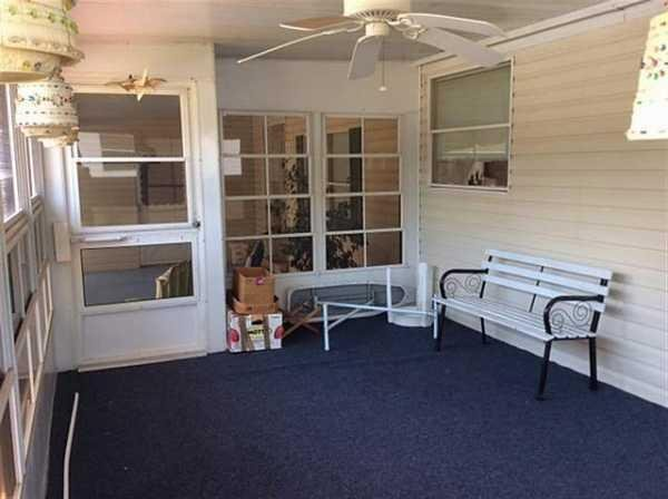 Senior Retirement Living 1993 Palm Manufactured Home For