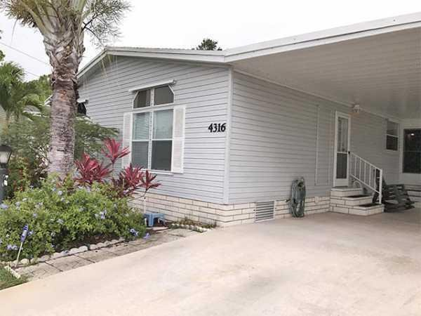 1995 Palm Harbor Manufactured Home