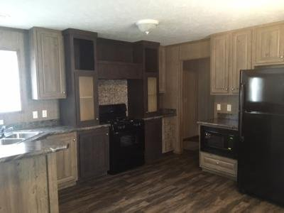 Mobile Home at 534 E 37th Ave Hobart, IN