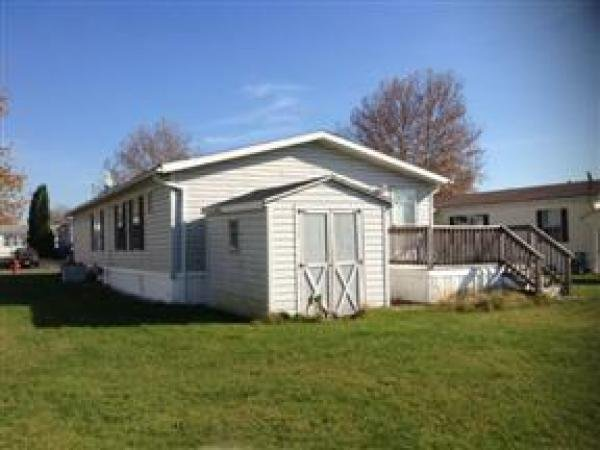 1990 Commodore Mobile Home View Greenbriar Village 160 Bentwood Cir Bath PA 18014
