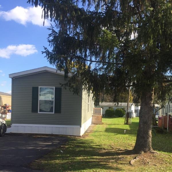 Mobile Home at 2215 Biglerville Rd Lot 18, Biglerville, PA