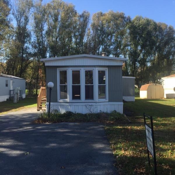 Mobile Home at 2215 Biglerville Rd Lot 63, Biglerville, PA