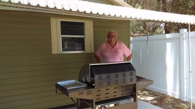 We Love to BBQ!