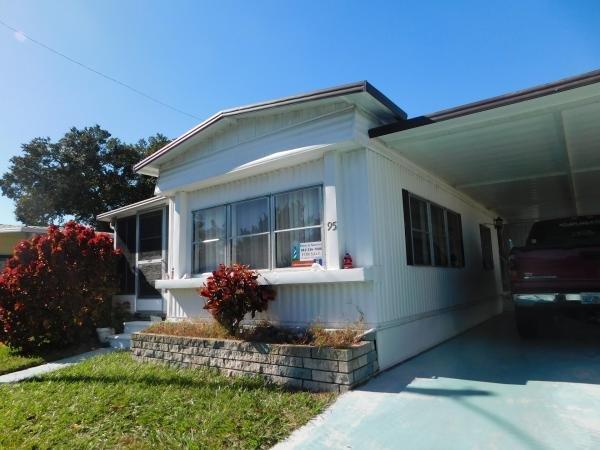 Mobile Home at 900 9th St W Lot 95, Palmetto, FL