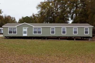 Homes of Merit The Eagle 0764B1-0 Mobile Home Model