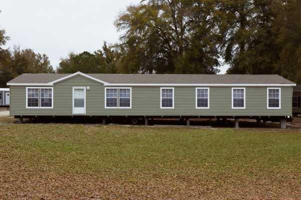 Homes of Merit The Eagle 0764B1-0 Mobile Home Model in undefined