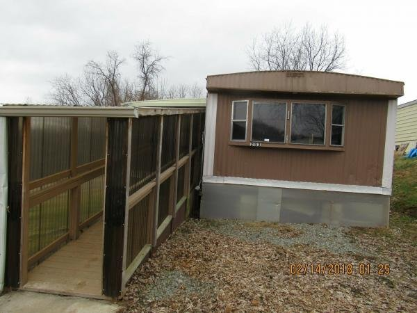 Senior Retirement Living - Commodore Mobile Home For Sale in ... on franklin mobile homes, double wide mobile homes, triple wide mobile homes, freedom mobile homes, champion mobile homes, clark mobile homes, fleetwood mobile homes,