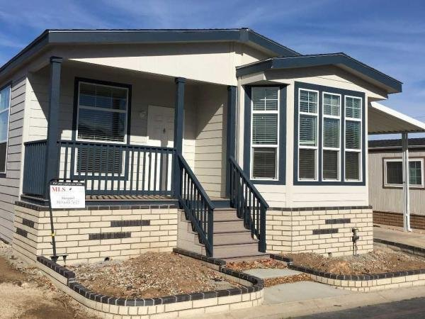 2017 Champion Creekside Manor Manufactured Home