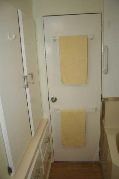 BATHROOM REAR DOOR