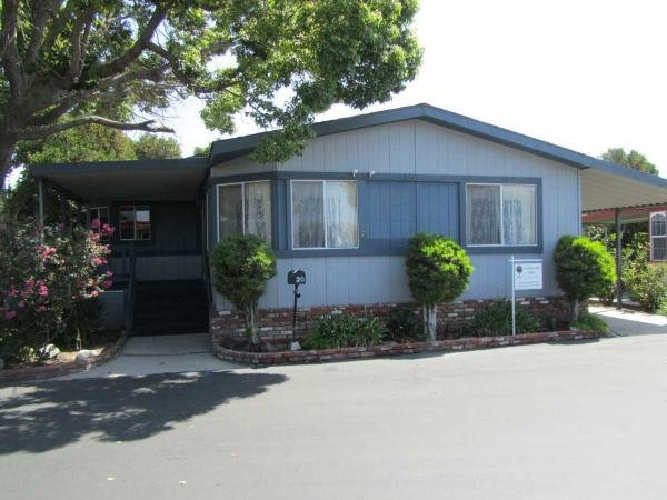 Tustin, CA Senior Retirement Living Manufactured and Mobile Homes