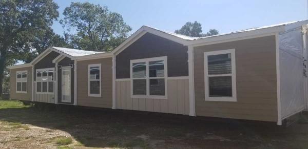 Mobile Home at 11166 Crockett Martin Rd., Conroe, TX