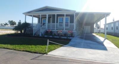 Mobile Home at 1470 Whispering Pines Loop Frostproof, FL