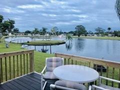 Left BBQ/Sun Deck Lake-View