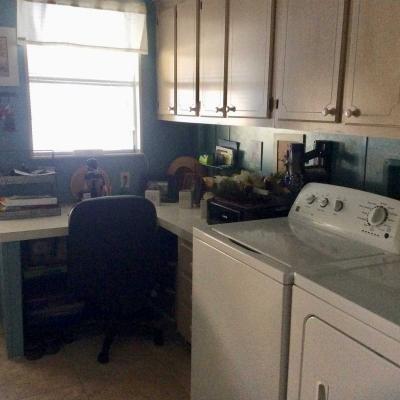 Laundryroom/office/craft room