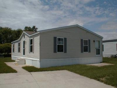 Mobile Home at 1405 Bryan Ave. Auburn, IN