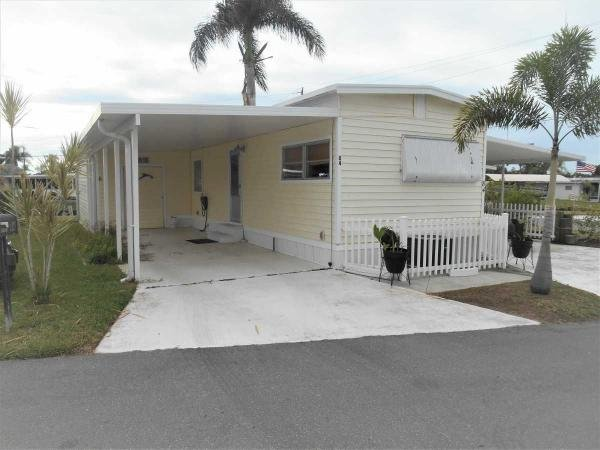 Mobile Home at 84 Sun Circle, Fort Myers, FL